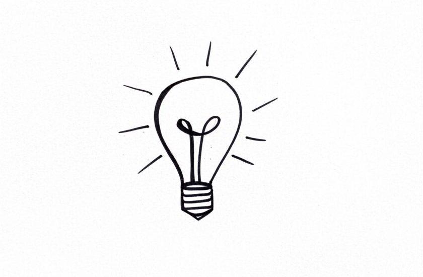 Skizzierte Glühbirne als Symbol für die Skill-Matrix